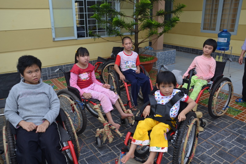 Wheel chairs for disabled people - Live and Give